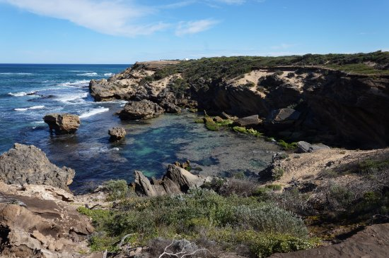 Warrnambool, Australia: Looking towards Thunder Point