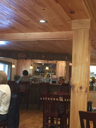 West Jefferson, NC: Lovely decor, wonderful service and great food!  Some of the best in area the area.  Just south