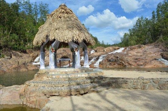 Gaia Riverlodge: Gazebo where we had our wedding ceremoney