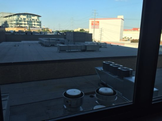 The Highland Dallas: Industrial Fan View/Noise from Room 424