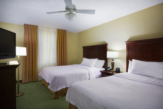 Homewood Suites Tampa Airport - Westshore: Two Bedroom Suite Sleeping Area