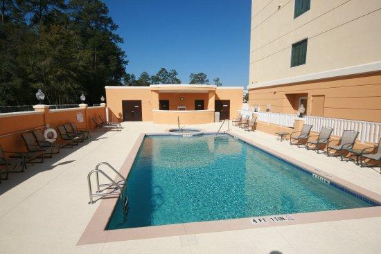 Comfort Suites Lake City : Outdoor Pool