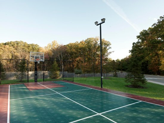 Dover, NJ: Tennis Court