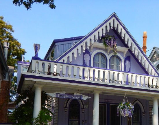 Oak Bluffs, Μασαχουσέτη: All purple