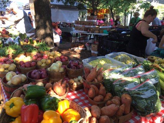 Chestnut Square Historic Village: Fresh fruits & veggies!