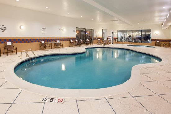 Holiday Inn Express Hotel & Suites Zanesville North: Swimming Pool