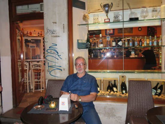 Caffe' Brasilia: Quietly and friendly