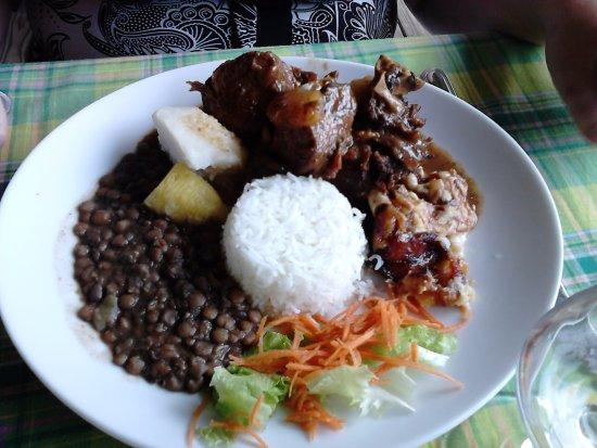 Sainte Marie, Martinica: coq au rhum
