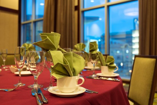 Embassy Suites by Hilton Denver - Downtown / Convention Center: Table setting