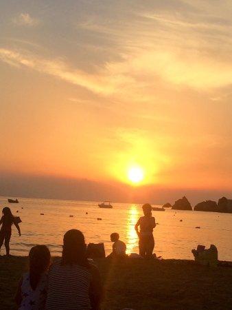 Golden Sands Beach: Golden beach sunset!