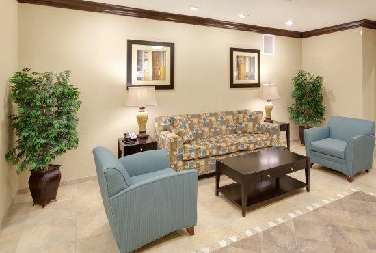 Gretna, NE: Hotel Lobby