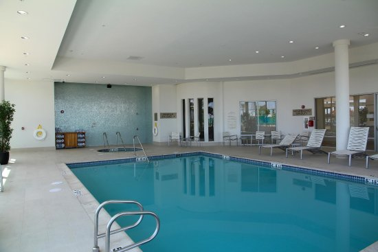 Embassy Suites by Hilton Ontario-Airport: Indoor Heated Pool