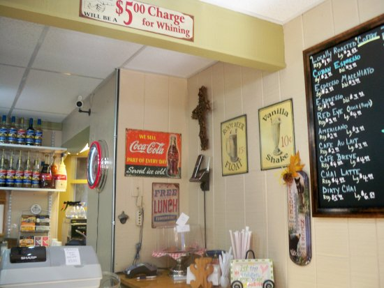 The Village Cafe & Creamery: Charming interior