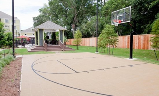 homewood suites by hilton la outdoor basketball court