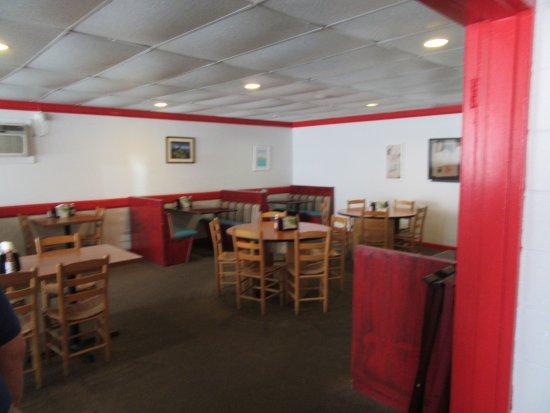 Shaddai Restaurant Dining Area Manteo Nc 9 08 2016