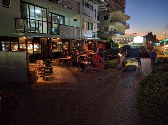 Coolum Beach, Australia: Canteen Kitchen + Bar