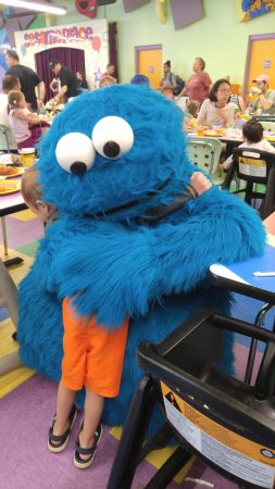 Sesame Place: Cookie Monster hugs!