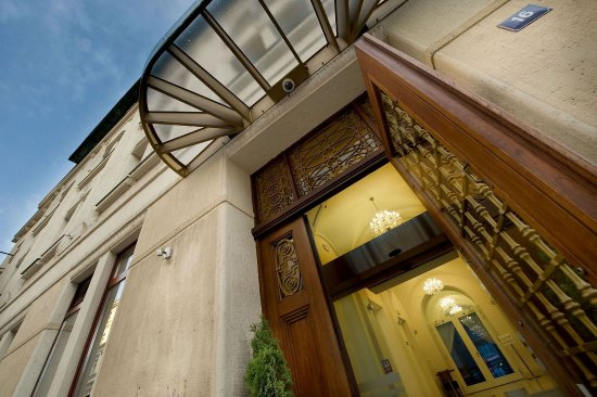 Golden crown hotel prague czech republic 2016 hotel for Design hotel jewel prague tripadvisor