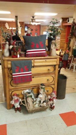Madoc, Kanada: Lot's of handcrafters creations for sale.