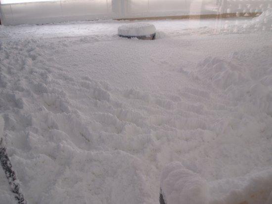 Nuchimasu Sightseeing and Salt Manufacturing Factory: Powdery pure sea salt