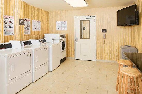 Carle Place, NY: Laundry Room