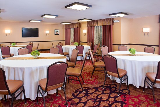 Carle Place, NY: Meeting room banquet layout