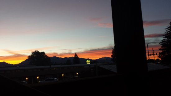 Super 8 Salida: Beautiful September sunset from the second floor.