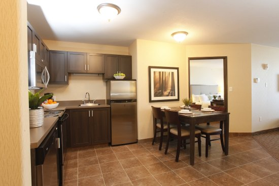 Olds, Καναδάς: Family Suite with Full Kitchen