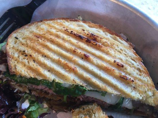 Waterbury Center, VT : Roast beef florentine panini