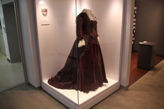 Fremont, OH: Some lovely examples of the First Lady's dresses (she was the first to be called a First Lady)