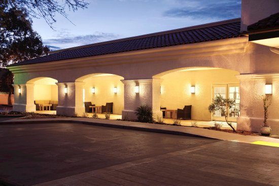 Homewood Suites by Hilton Tucson/St. Philip's Plaza University