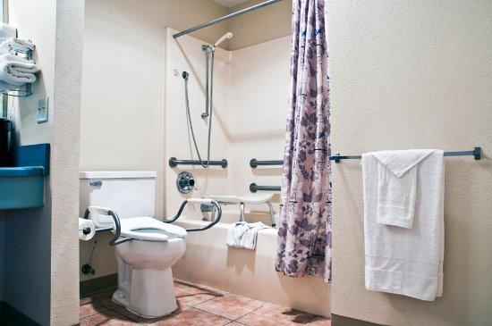 Regency Inn: ADA Bathroom
