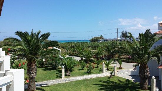 Chryssana Beach Hotel: Das Meer im Blick.