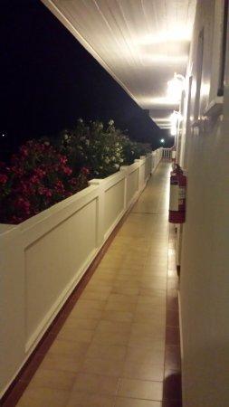 Chryssana Beach Hotel: Gang im ersten Stock.
