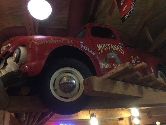 Ancaster, Канада: Montana's BBQ & Bar
