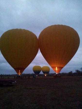 Hot Air Balloon Port Douglas: photo0.jpg
