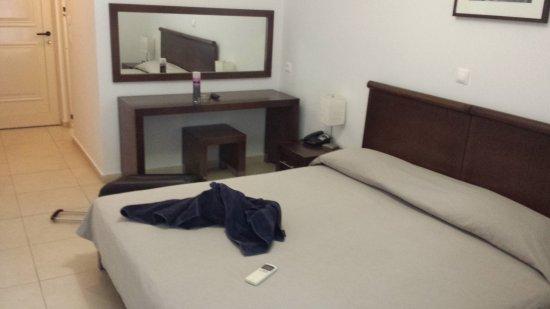 Hotel Glaros : Blitzsauber und modern eingerichtet.