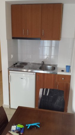 Hotel Glaros : Die kleine Kochnische.