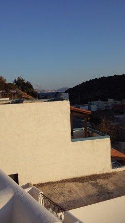 Hotel Glaros : Blick in Richtung Meer.