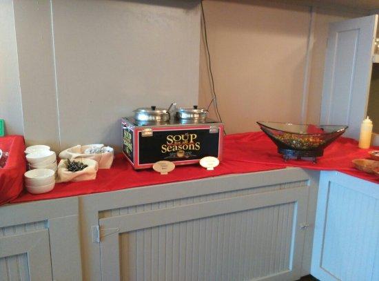 Scottdale, Pensylwania: Delallo's Italian Saturday night Buffet