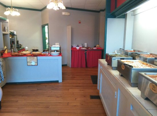 Scottdale, PA: Delallo's Italian Saturday night Buffet