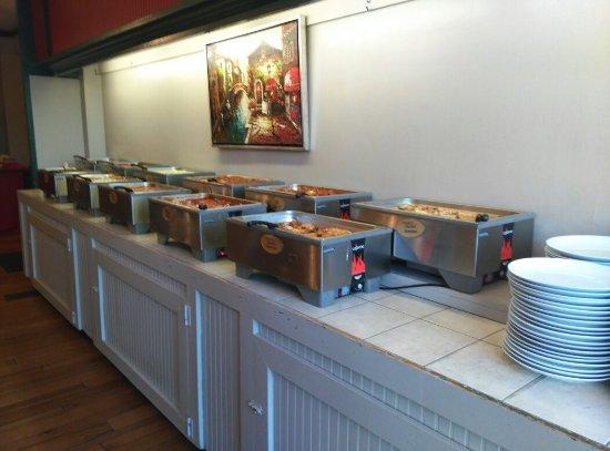 Scottdale, เพนซิลเวเนีย: Delallo's Italian Saturday night Buffet