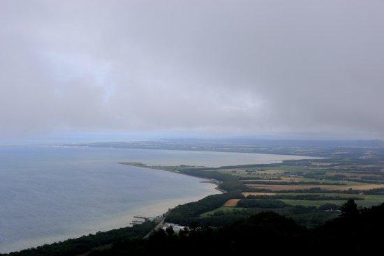 佐呂間町, 北海道, サロマ湖展望台にて:南側に知床半島が