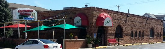 Harwood Heights, IL: Entrance & patio to Las Palmas