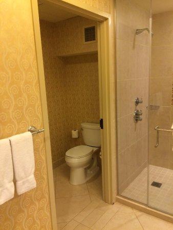 Riverside, Missouri: Commode room