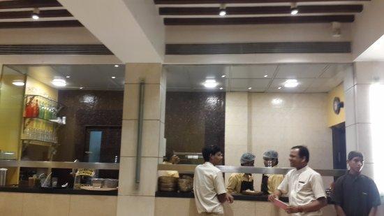 Soam: Interiors - Kitchen area
