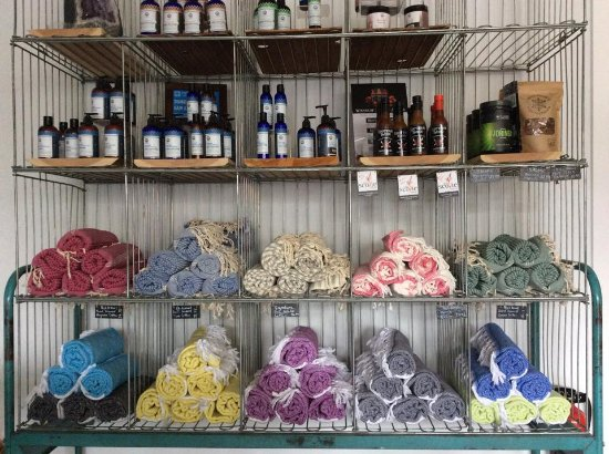 Invermere, Kanada: Lovely selection of local or hand made gifts!