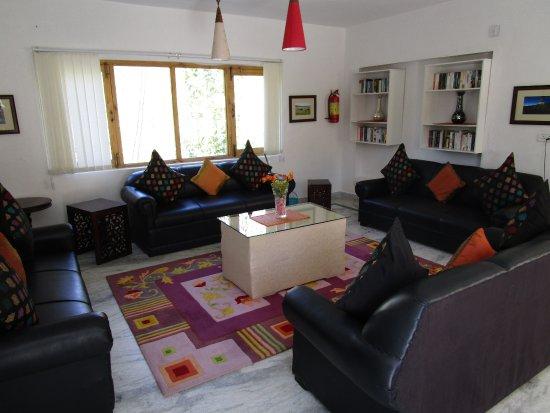 2nd floor living area