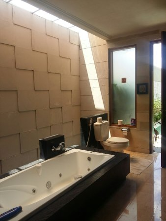 Bali Swiss Villa: 20160916_131009_large.jpg