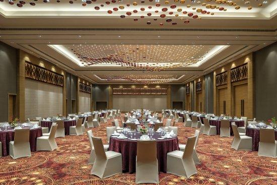 FEATHERS A RADHA HOTEL (Chennai) - Hotel Reviews, Photos